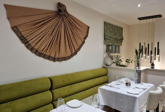 Bombay Restaurant Slide 2